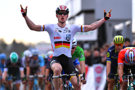 Greipel wins Paris-Nice stage 5